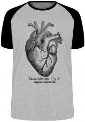 Camiseta Raglan Coração Intercostal