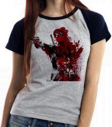 Blusa Feminina Deadpool arma