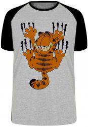 Camiseta Raglan Garfield arranhando