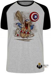 Camiseta Raglan Capitão Cavérica escudo