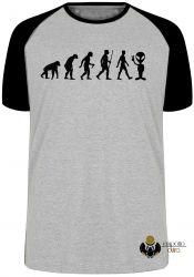 Camiseta Raglan Evolução Alien