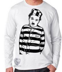 Camiseta Manga Longa Charles Chaplin preso