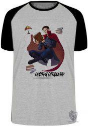Camiseta Raglan Dr Estranho voando