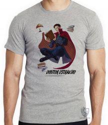 Camiseta Dr Estranho voando