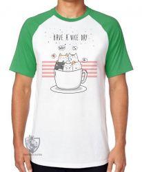 Camiseta Raglan Gatinhos xícara