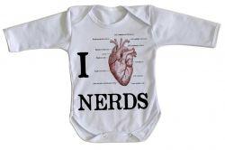 Roupa Bebê manga longa I love nerds heart coração