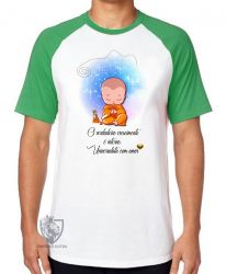 Camiseta Raglan Universalista com amor
