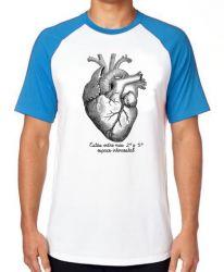 Camiseta Raglan Coração Enfermagem Medicina