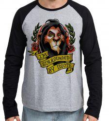 Camiseta Manga Longa Scar Cercado por Idiotas