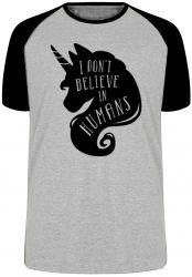 Camiseta Raglan Unicórnio não Acredito Humanos
