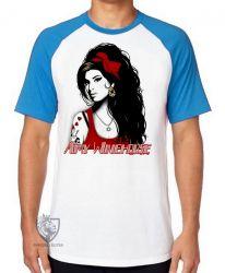 Camiseta Raglan Amy Winehouse vermelho