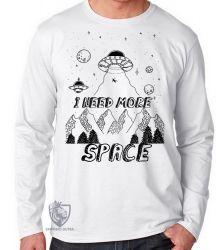 Camiseta Manga Longa I need more space