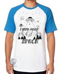 Camiseta Raglan I need more space